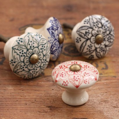 Daha ceramic cabinet knob £5.00 each - Willow & Stone