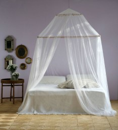 Image courtesy of Grigolite featuring the TINA mosquito net for double bed