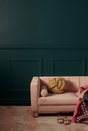 The Sybilla settee in pastel pink velvet from Cranmore Home
