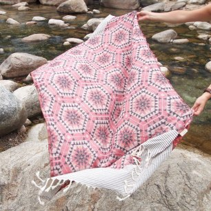 House of Rym Heavenly Honeycomb blanket in Rose from Shedquarters